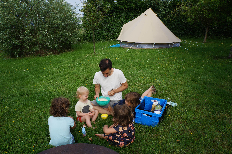 d0b139d1526 Staycation-tip: leen eens een tuin van familie of vrienden en plant ...