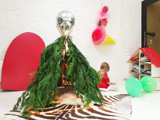 kerstboom-tipi-maison-slash