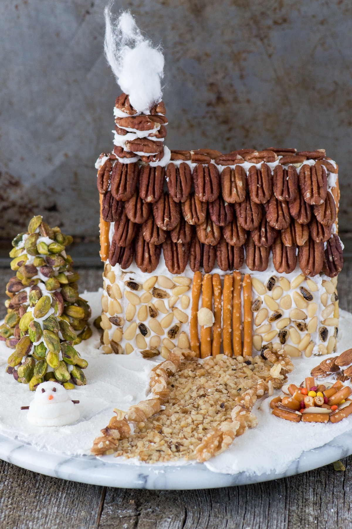 Nut-Gingerbread-House-20