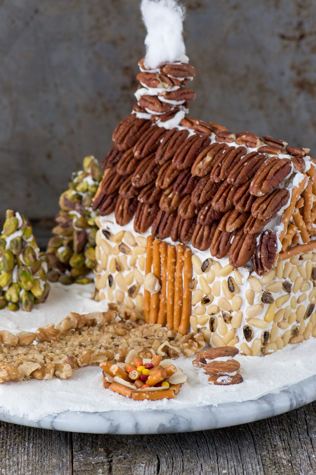 Nut-Gingerbread-House-28