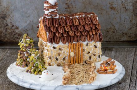 Nut-Gingerbread-House-31